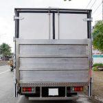 isuzu 2,9 tấn thùng kín bửng nâng hạ