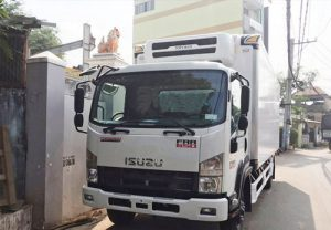 Xe tải Isuzu FRR 650 – 7 tấn thùng đông lạnh