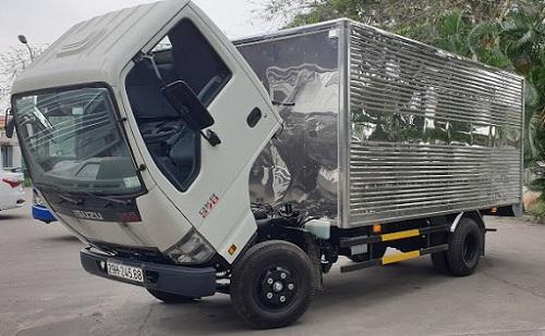 xe tải isuzu 2t9 thùng kín