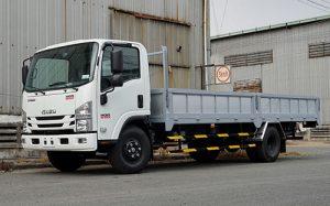 Xe tải Isuzu NQR 550 – 5.7 tấn thùng lửng