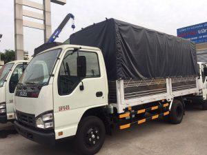 Isuzu QKR 270 – 2.7 tấn thùng mui bạt