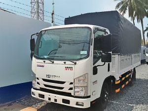 Xe tải Isuzu NMR 310 – 1.9 tấn thùng mui bạt