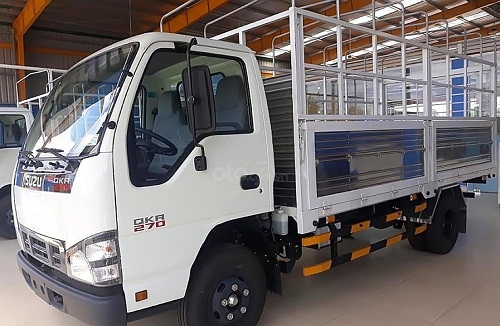 Xe tải Isuzu QKR 270 – 2.9 tấn thùng mui bạt