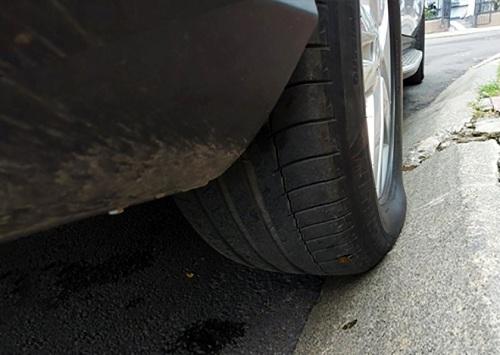 lốp xe bị hỏng
