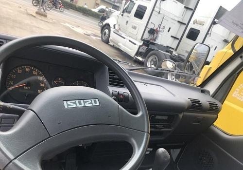 bọc vô lăng xe tải isuzu